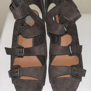 brown zip up sandals with small wedge